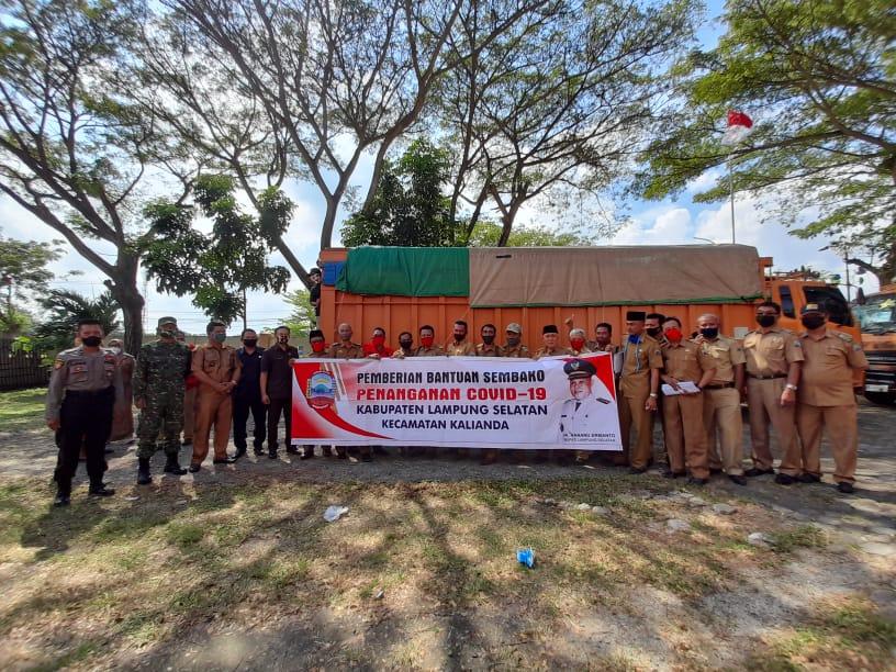 Pemkab Lamsel Salurkan Ribuan Sembako di Kalianda