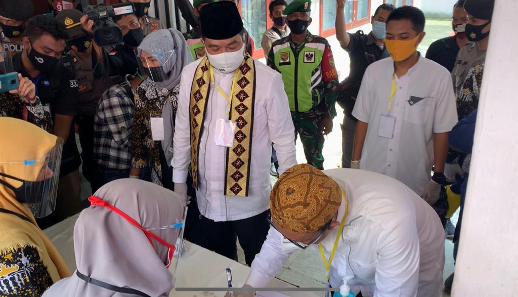 Ratusan Pendukung Kawal Musa-Ardito Daftar ke KPU Lampung Tengah