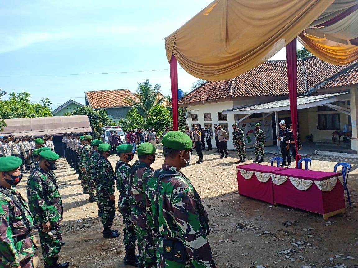 Pendaftaran Cabup-Cawabup, Tim Gabungan TNI-Polri Amankan KPU Way Kanan