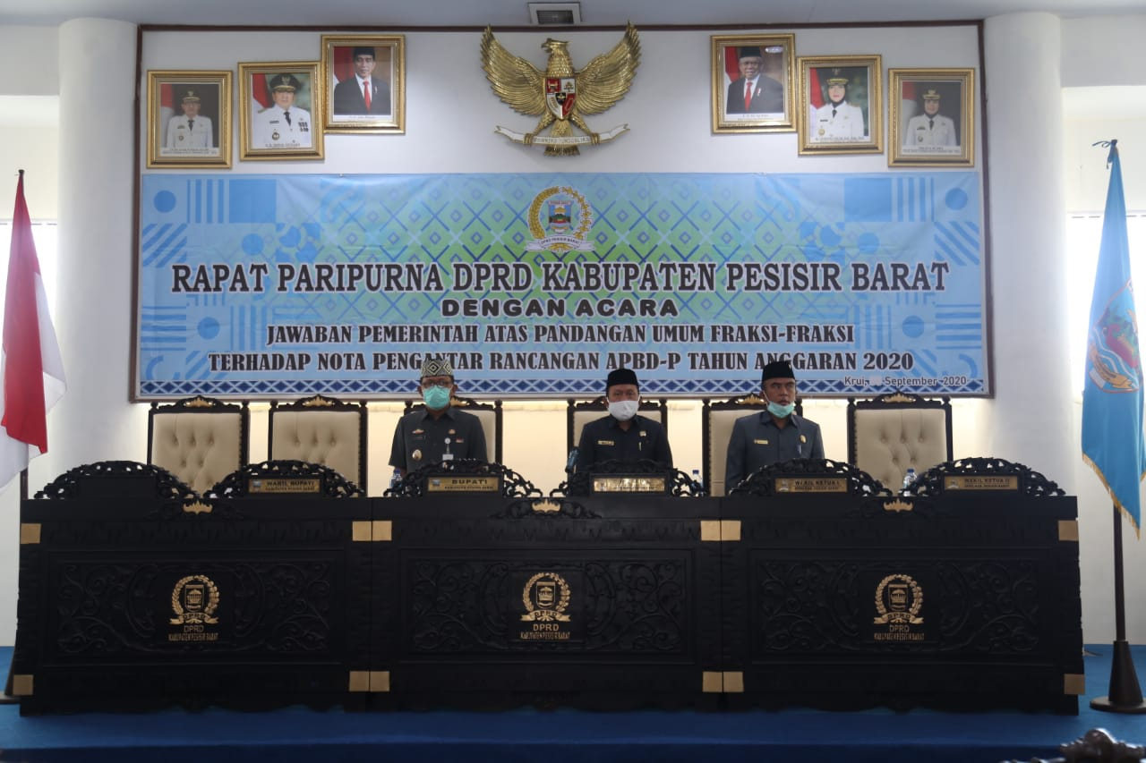 Bupati Pesibar Sampaikan Jawaban Pandangan Umum Fraksi Atas Nota RAPBD-P 2020