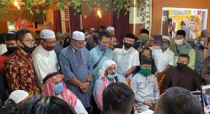Ditujah saat Dakwah di Bandar Lampung, Syekh Ali Jaber: Pelaku Orang Sehat, Usut Motifnya