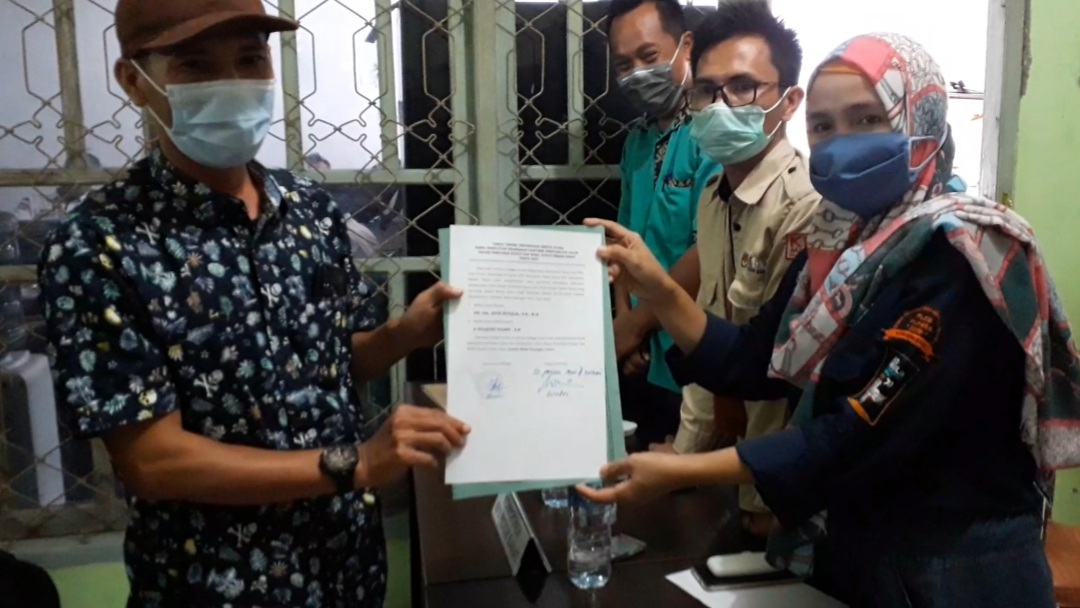 KPU Pesibar Gelar Pleno Pemberitahuan Hasil Verifikasi Syarat Bacakada