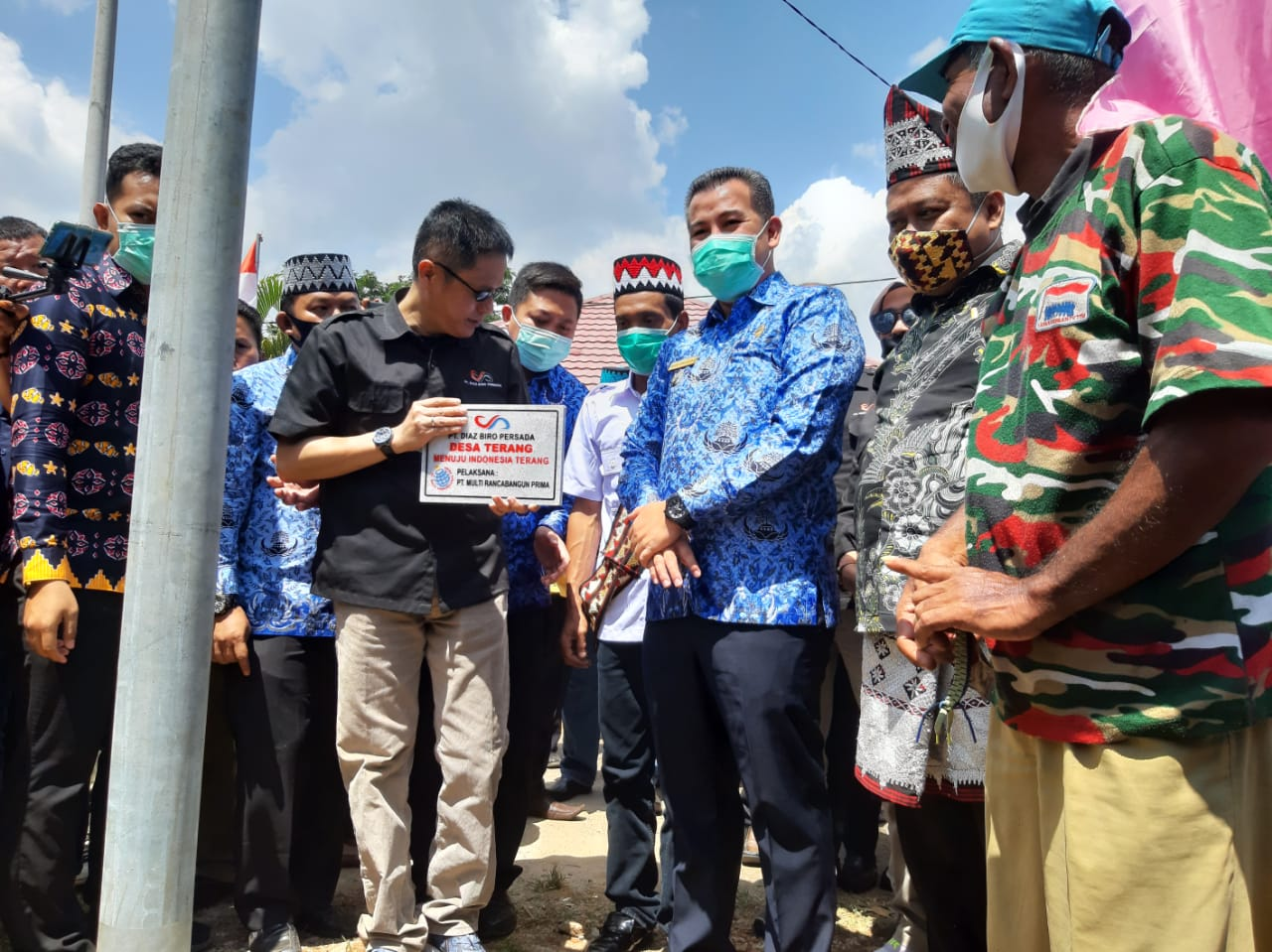 Bupati Pesawaran Hadiri Launching PJUTS di Tampelrejo Kedondong