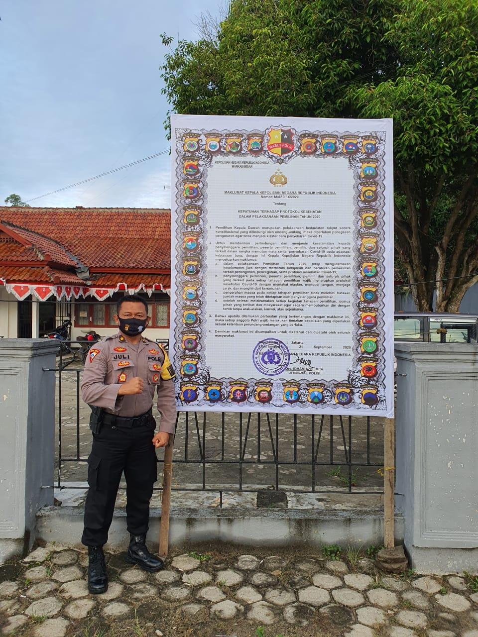 Polres Lamteng Pasang Banner Maklumat Kapolri Ditempat Keramaian