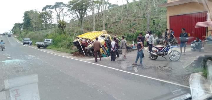 Dua Mobil Terlibat Lakalantas di Pekon Tambak Jaya Lampung Barat, Tak Ada Korban Jiwa