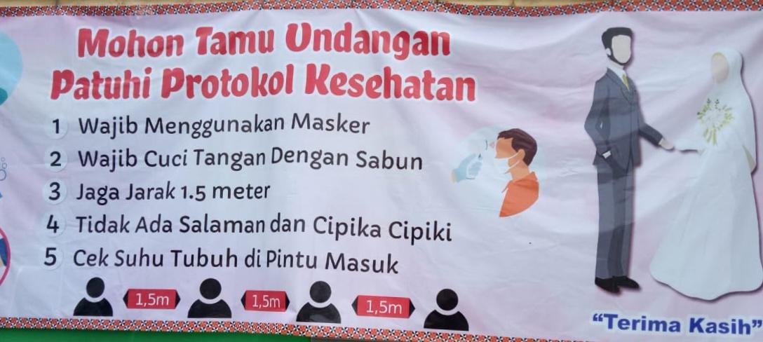 Nakes Puskesmas Way Tenong Lampung Barat Awasi Penerapan Prokes di Resepsi Pernikahan