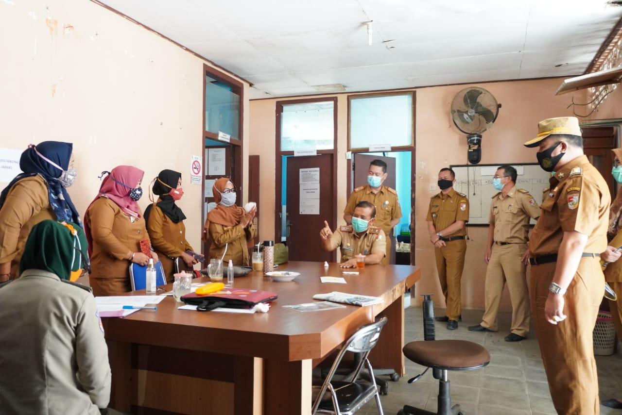 Asisten I Pemkab Tubaba Sidak Disiplin Protokol Kesehatan di Sejumlah OPD