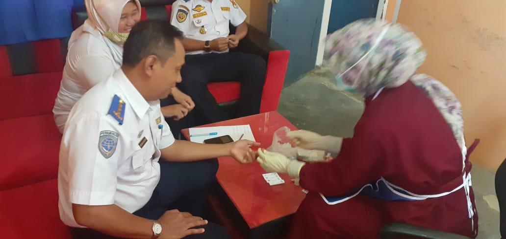 Dishub Tubaba Gelar Rapid Test, 12 Pejabat Nonreaktif Covid-19
