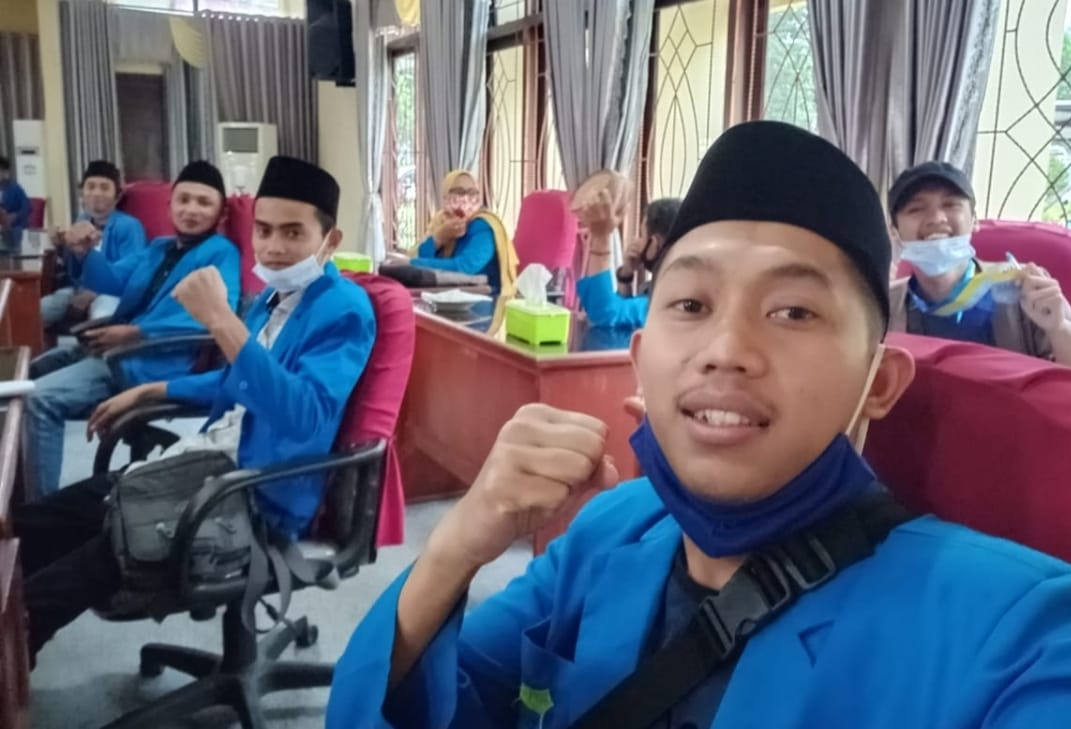 Tolak UU Cipta Kerja Omnibus Law, PC PMII Lampung Barat Audiensi dengan DPRD