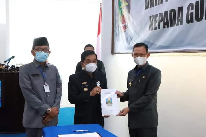 Chrisna Serah Terima Nota Pelaksanaan Tugas Pjs Bupati Pesibar ke Gubernur Lampung